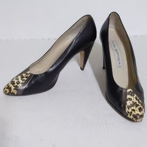 Via Spiga (10) Snakeskin Peekaboo Closed Toe Pumps